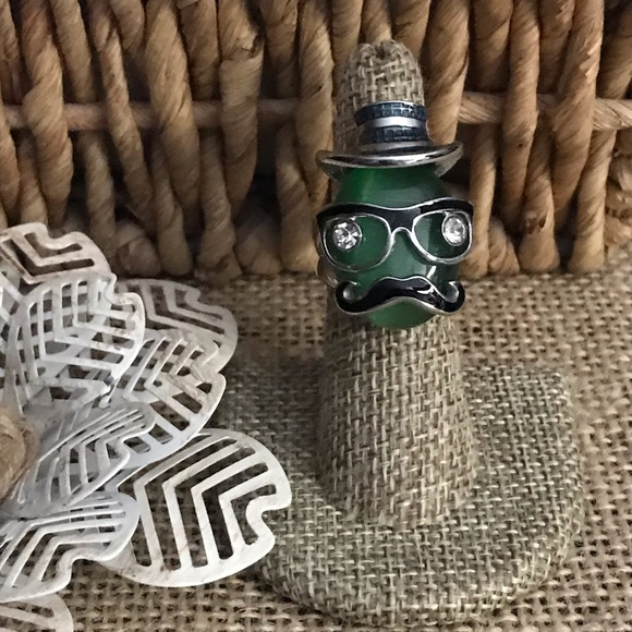 The Metal Daisy Jewelry - Quirky Catfish Eyeglasses Ring Green